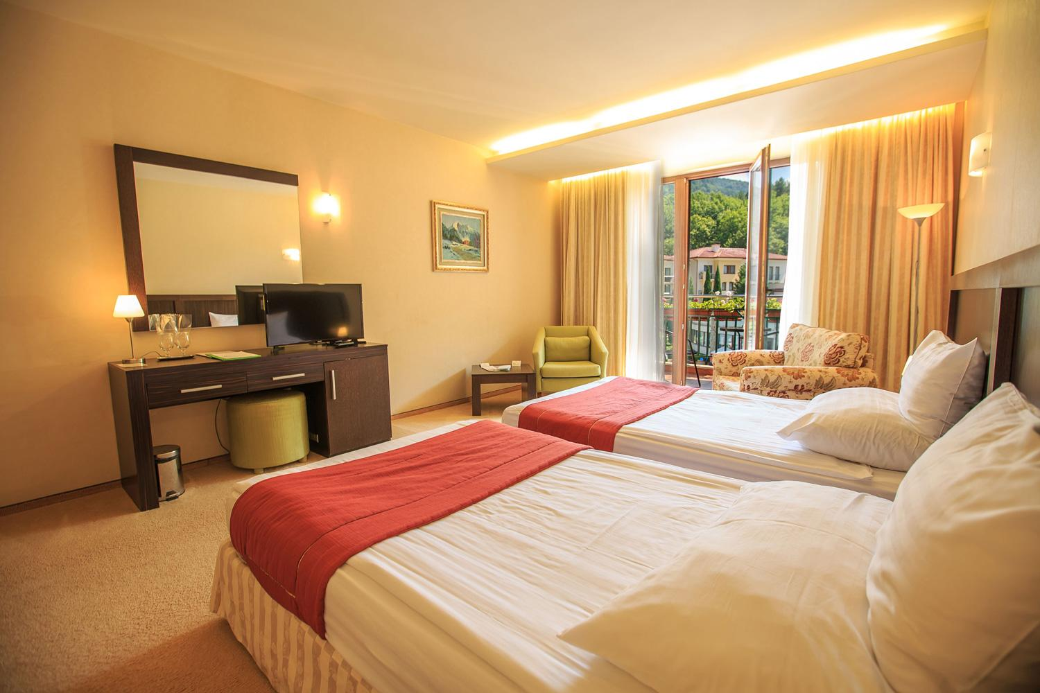 Luxury Double Room with Twin Beds