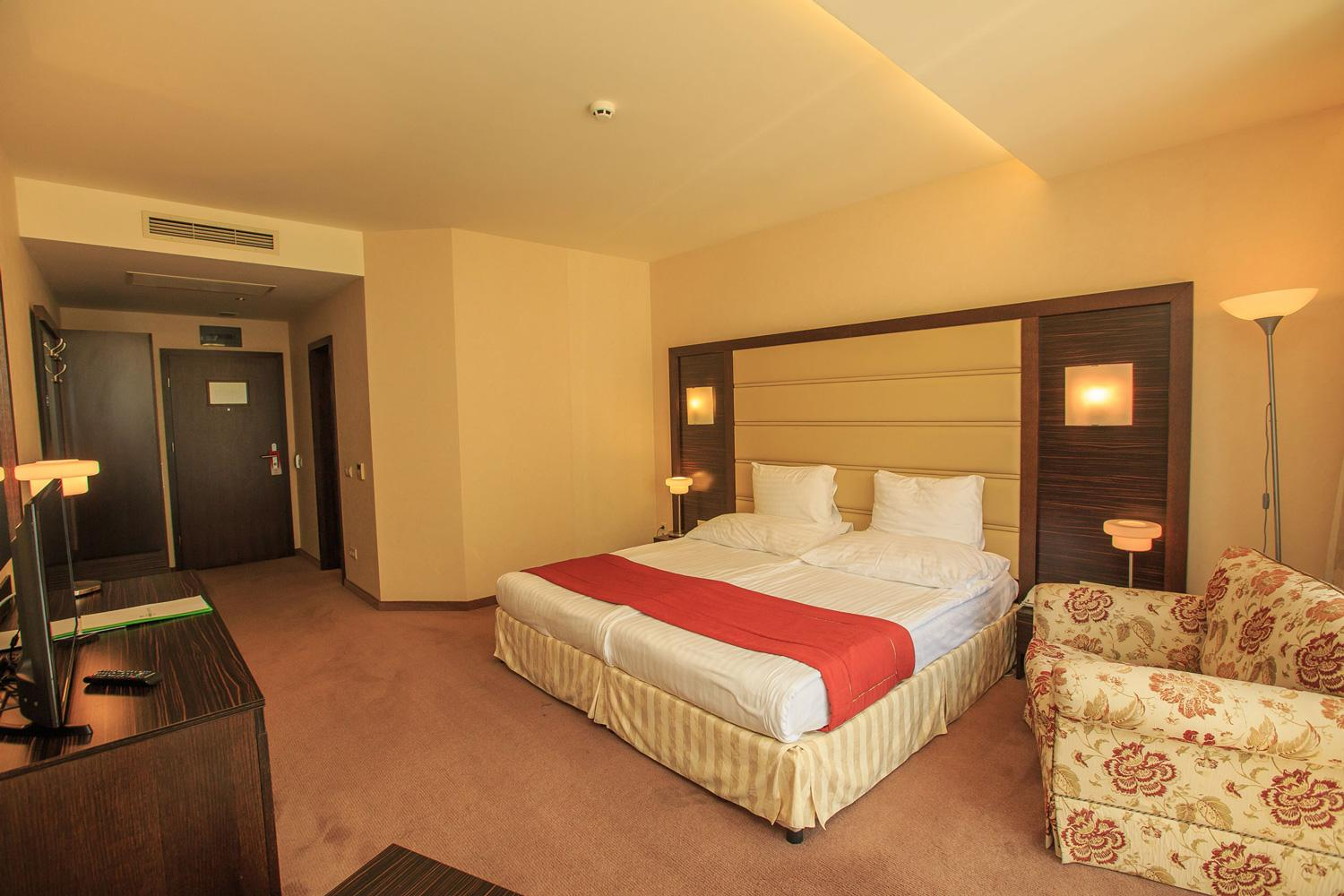 Standard Double Room with Kingsize Bed
